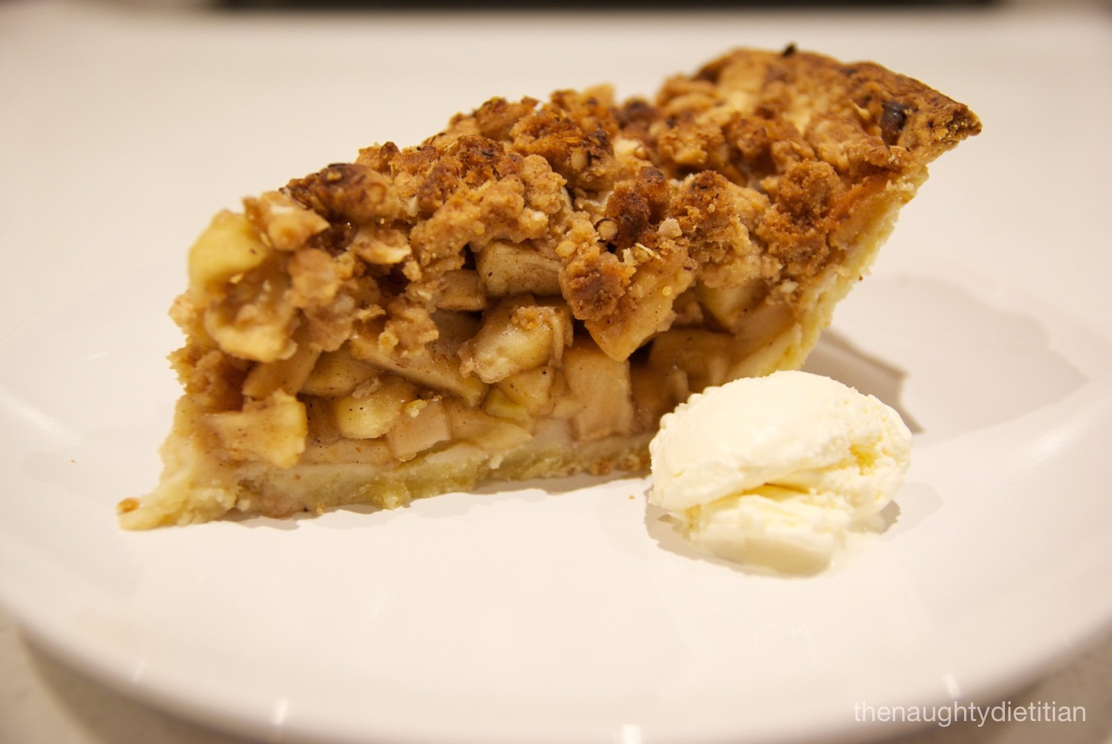 Apple Pie with Cinnamon Crumble (Gluten Free)